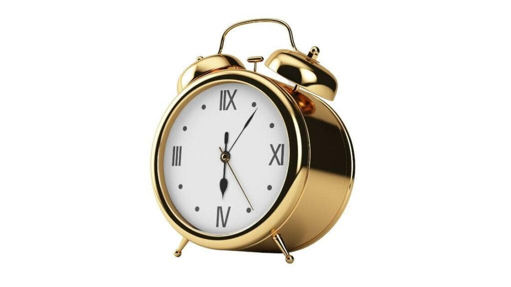 set-your-own-freelance-hours-gold-clock-thevirtualclick.com