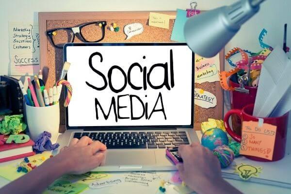 social-media-looking-for-freelance-work